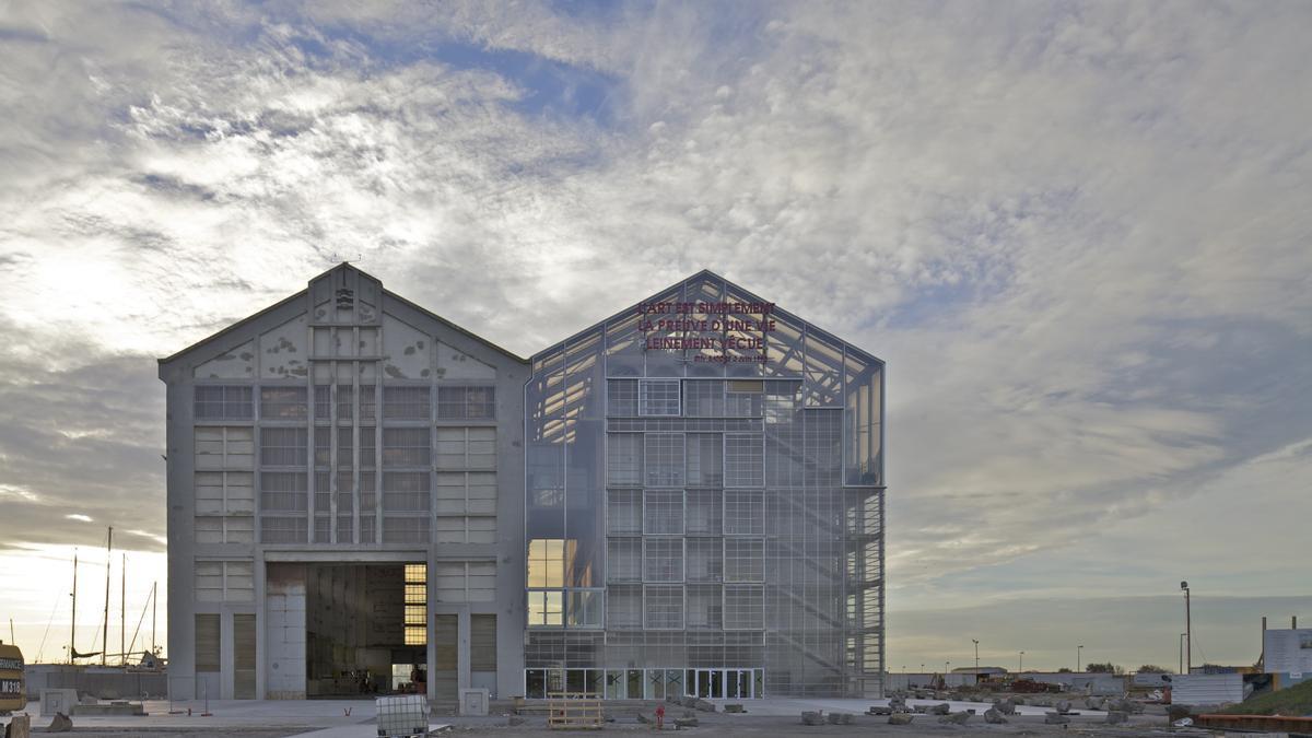 'Frac', edificio intervenido en 2015 por Lacaton & Vassal en Dunkerque, Francia