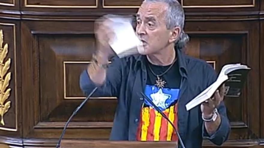 Posada reprende al diputado de Amaiur que rompió la Constitución en la tribuna del Congreso