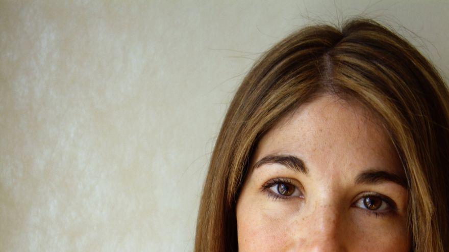 no logo by naomi klein Naomi klein no logo the first scan & spell-check by fnark, (forgive me naomi) note: this text is stripped of notes, photos, graphs, appendix and the index.