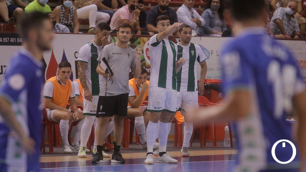 Alberto Saura junto a Emanuel Santoro, segundo entrenador