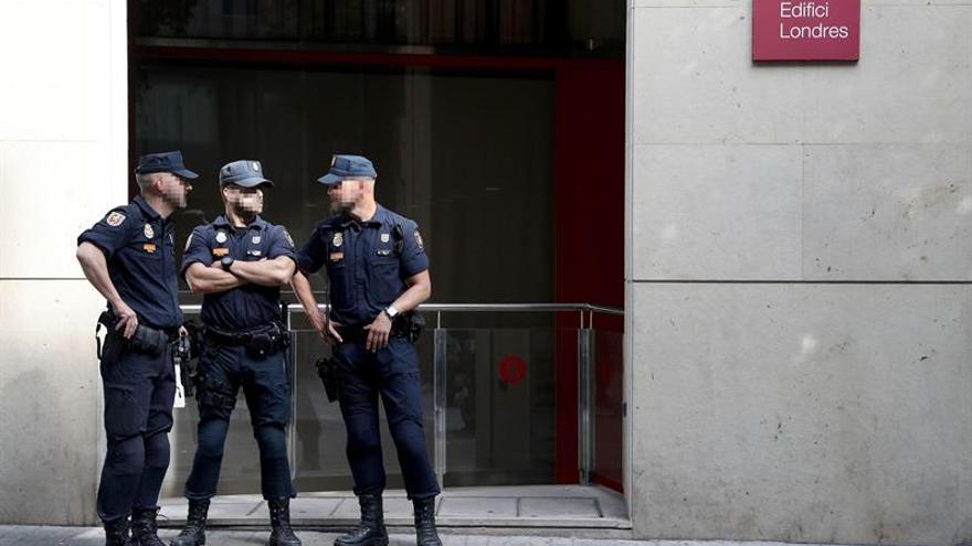 """Detenidas 22 personas por desvío de fondos públicos a entidades del """"procés"""""""