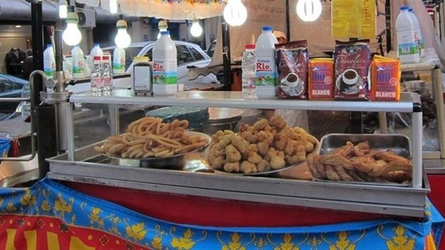 Una churrería instalada en Valencia en Fallas