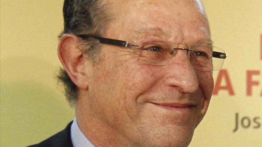 """El cirujano José M. Devesa, premio al """"Hombre que más apoya a las Mujeres"""""""