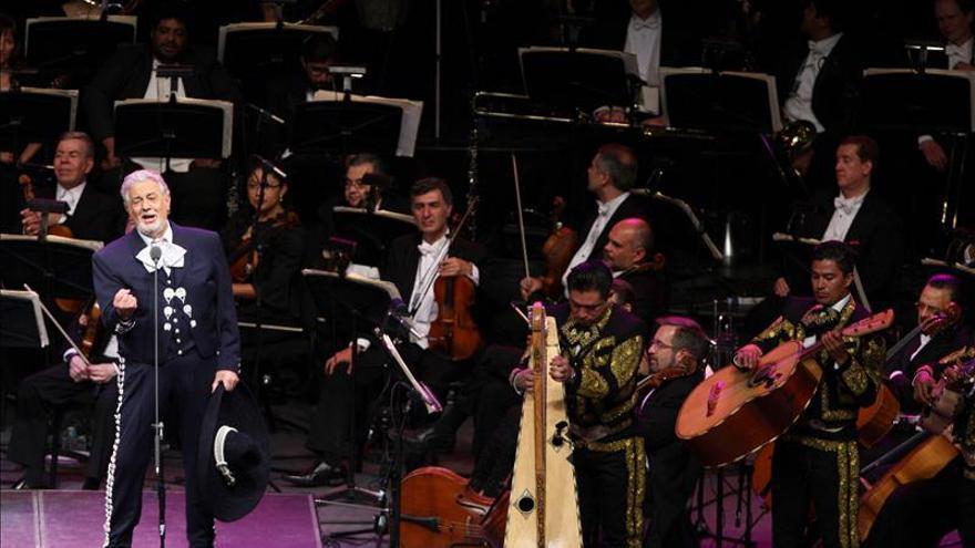Plácido Domingo celebra con ópera y mariachis sus 55 años en las tablas de MéxicoNACIONALDE MÉXICO
