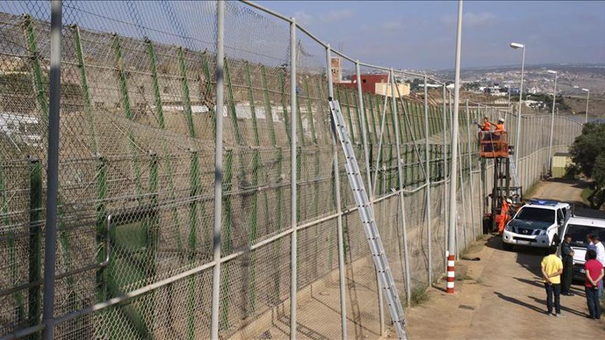 Fotografía facilitada por la Delegación del Gobierno en Melilla de la valla fronteriza de la ciudad.