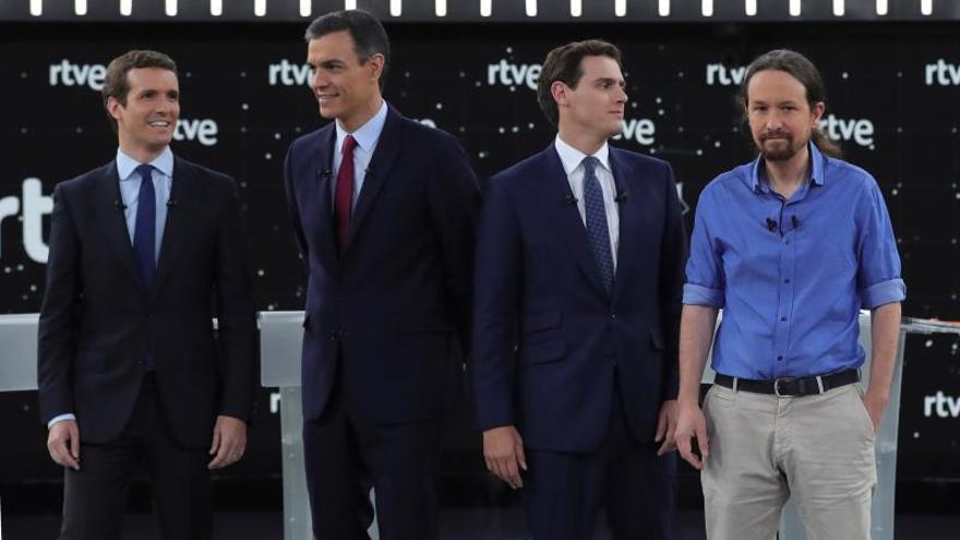 """Casado y Rivera exigen a Sánchez que diga si indultará a líderes del """"procés"""""""