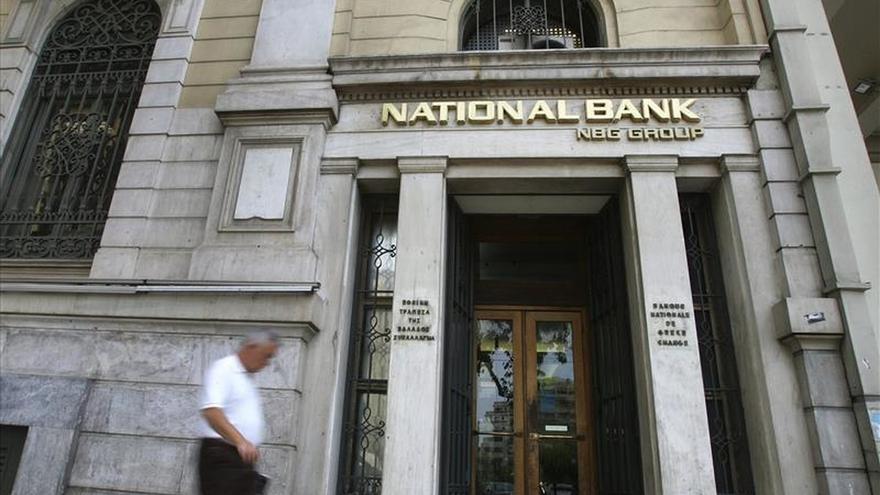 El BCE baja sustancialmente el techo del crédito a la recapitalizada banca griega
