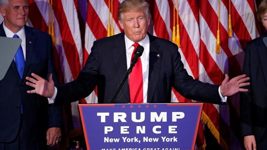 """Trump advierte de que """"nada cambiará"""" con la campaña para un recuento de votos"""