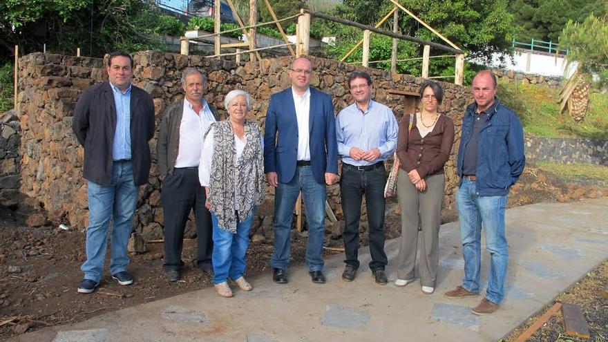 De izquierda a derecha: José Basilio Pérez, Luis Martín, María Victoria Hernández, Anselmo Pestana, José Adrián Hernández, Goretti Rojas y Víctor Manuel Guerra.