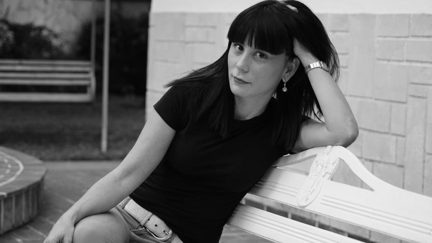 La escritora cubana Wendy Guerra presenta su última novela: Domingo de Revolución