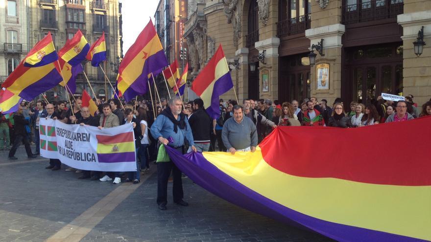 Concentración en favor de la República en Bilbao