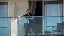 Imagen de archivo de una limpiadora de hotel.