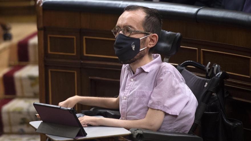 El portavoz de Unidas Podemos en el Congreso, Pablo Echenique, durante una sesión de control al Gobierno, a 19 de mayo de 2021, en el Congreso de los Diputados, Madrid, (España).