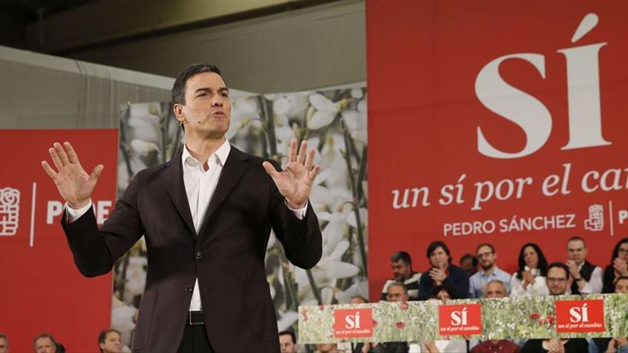 """Sánchez presenta en Barcelona a los miembros de su """"gobierno de cambio"""""""