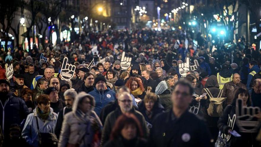 """Decenas de miles de personas """"denuncian"""" en Bilbao la política penitenciaria"""