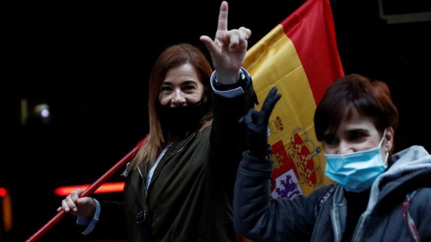 Decenas de personas vuelven a protestar contra el Gobierno en Madrid