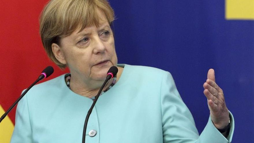 Merkel invita a Theresa May a visitar Alemania