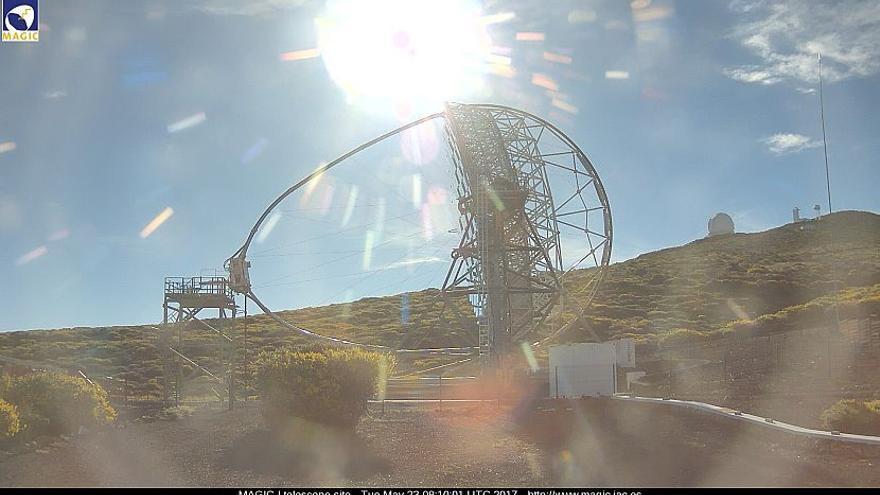 Imagen  captada de la webcam de los telescopios MAGIC de la zona de entorno del Observatorio del Roque de Los Muchachos, en la mañana de este martes.