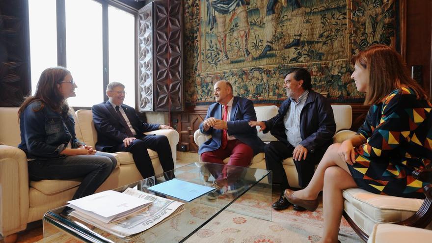 El president Ximo Puig y la vicepresidenta Mónica Oltra reunidos con Esteban Beltrán, director de Amnistía Internacional España