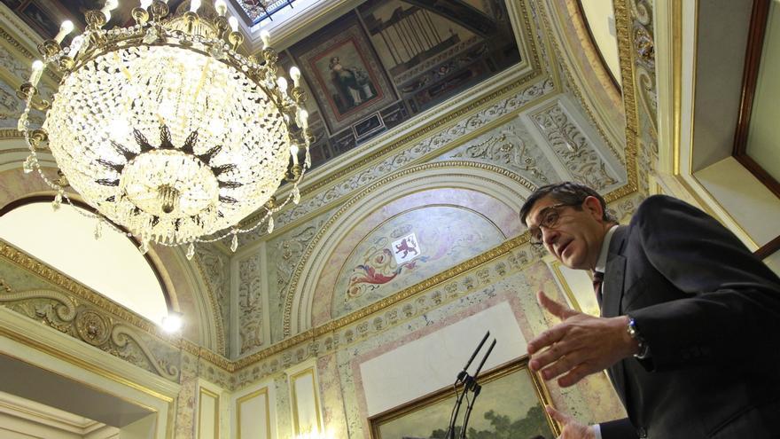 Patxi López presidirá hoy la última reunión de la Diputación Permanente del Congreso de la legislatura