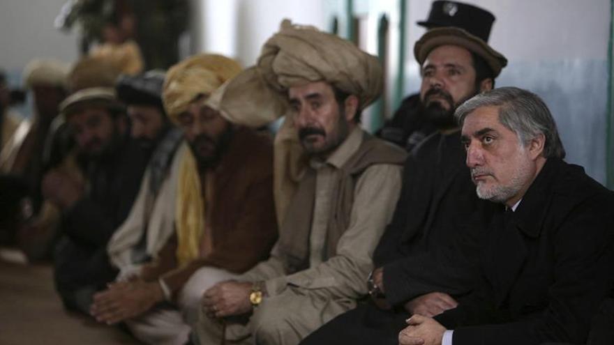 """Afganistán ve """"muy probable"""" que el mulá Mansur haya muerto en un ataque de EEUU"""