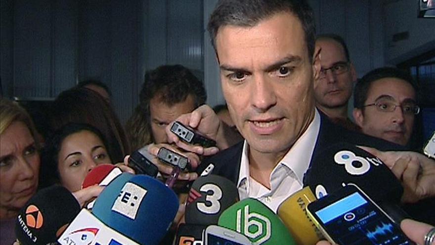 """Pedro Sánchez tacha a TV3 de """"televisión del régimen"""" por """"vetar"""" a Borrell"""