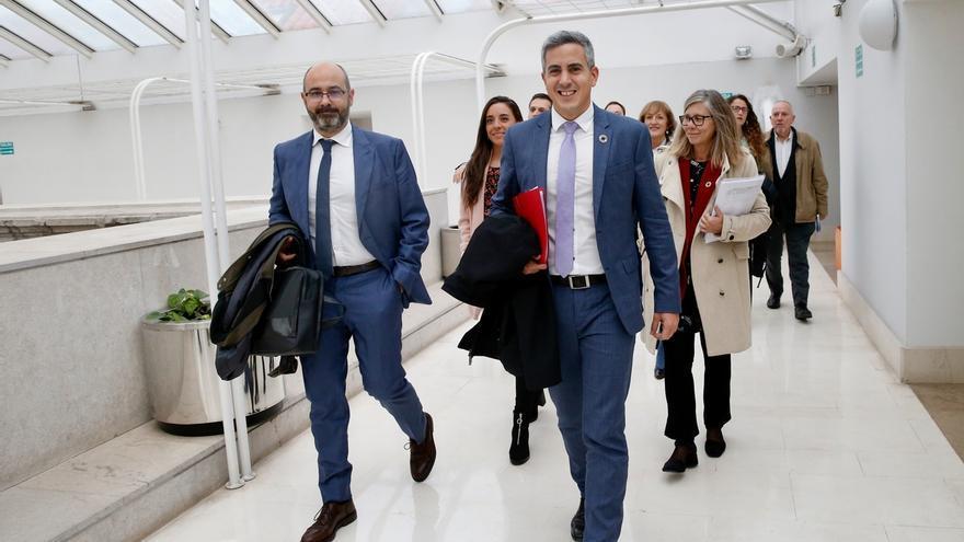 """PP critica los presupuestos de """"altos cargos"""" de Zuloaga, que defiende que son """"inversores"""""""