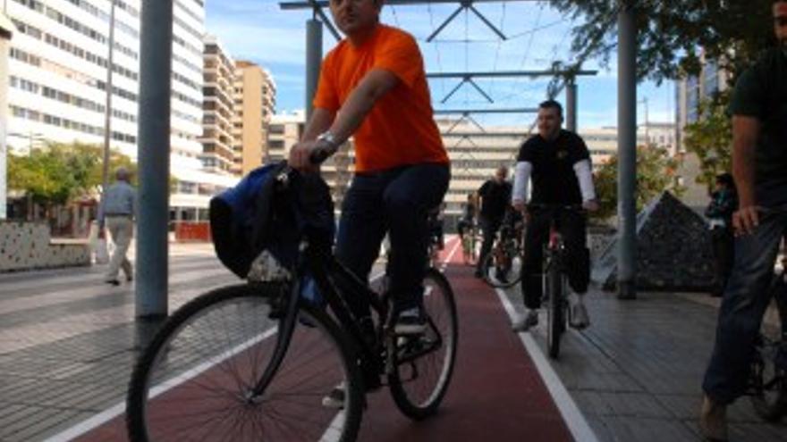 Juan José Cardona en bicicleta. (ACFI PRESS)