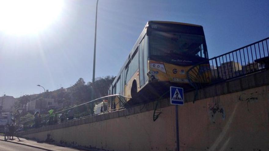 Guagua accidentada en La Paterna