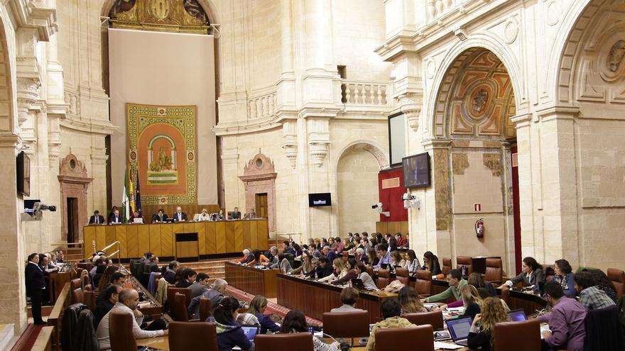 Parlamento acoge el debate final de la Ley de Memoria Democrática y de totalidad de la Ley de sostenibilidad sanitaria