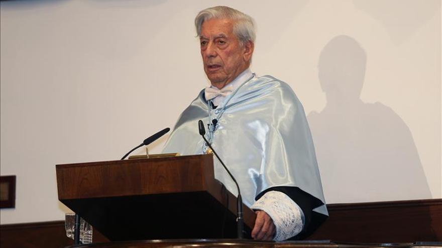 Vargas Llosa afirma que Hay Festival de Arequipa traerá beneficios a peruanos
