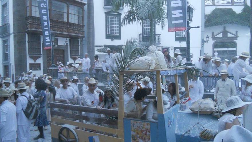 Imagen de archivo del desfile de Los Indianos de 2014.