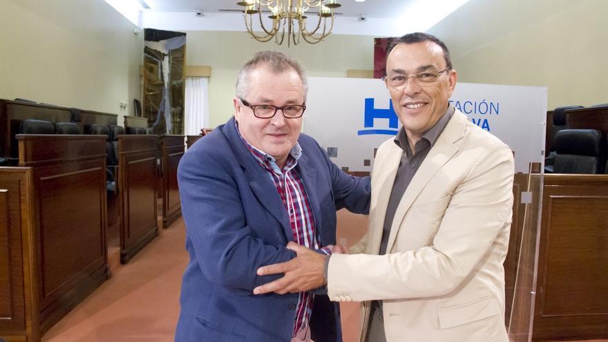 Diputación firma un convenio con la AMHyJA por valor de 12.000 euros para exhumar la fosa de Encinasola