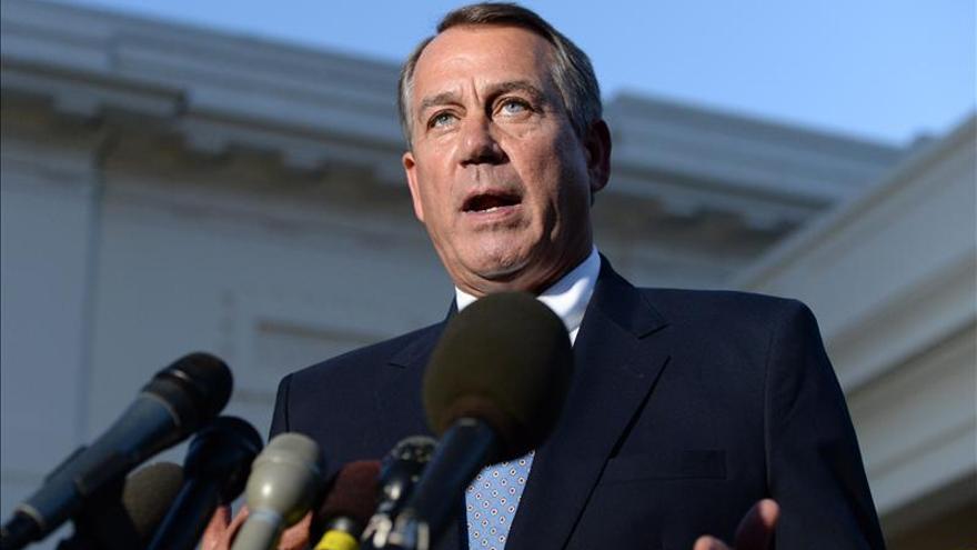 """Líder republicano acusa a Obama de actuar como """"emperador"""" en tema migratorio"""