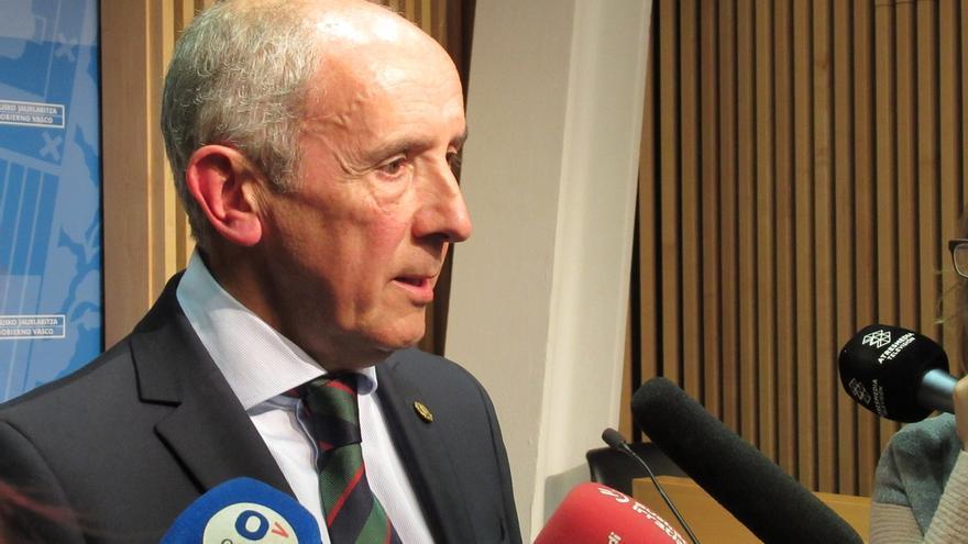 Erkoreka (PNV), convencido de la legalidad del decreto del euskera, pide al PP que retire recurso y deje de seguir a Vox