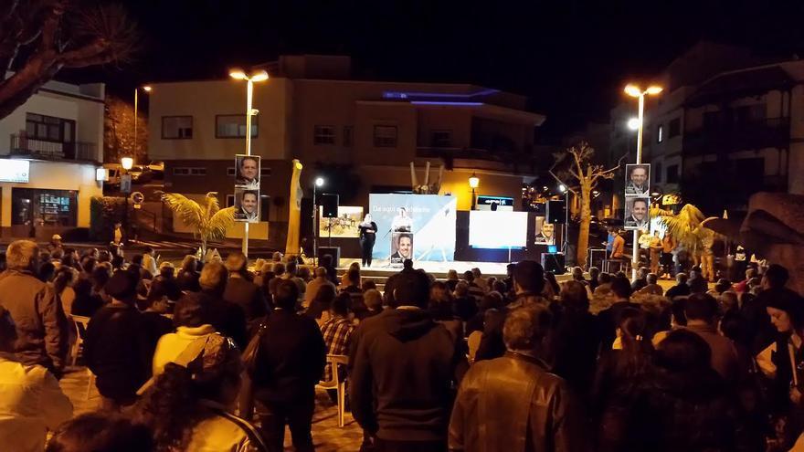 En la imagen, mitín de CC en Breña Alta en la noche del jueves.