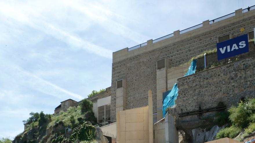 Cospedal visita el remonte de safont en abril de este año. Foto oficial.
