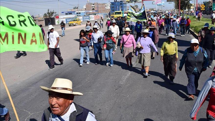 Arequipa secunda parcialmente 72 horas huelga contra un proyecto minero mexicano