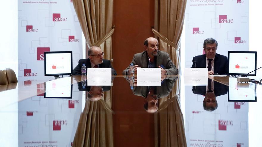 El todavía presidente de la SGAE, José Miguel Fernandez Sastron, durante la rueda de prensa sobre las elecciones