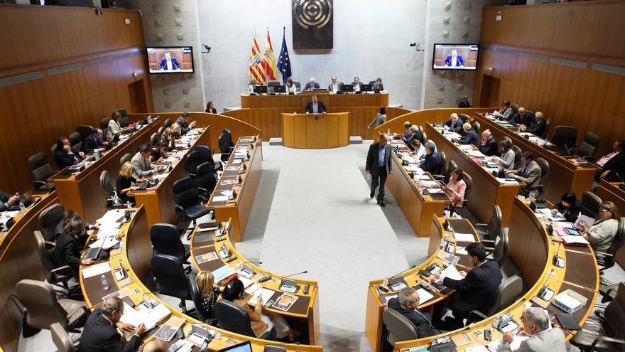 Las administraciones pueden rescindir los contratos a las empresas que impongan recortes de las condiciones laborales. Foto: Cortes de Aragón