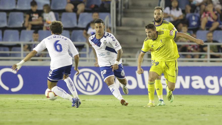 Nano Mesa, en el Tenerife-Cádiz de la temporada 18-19
