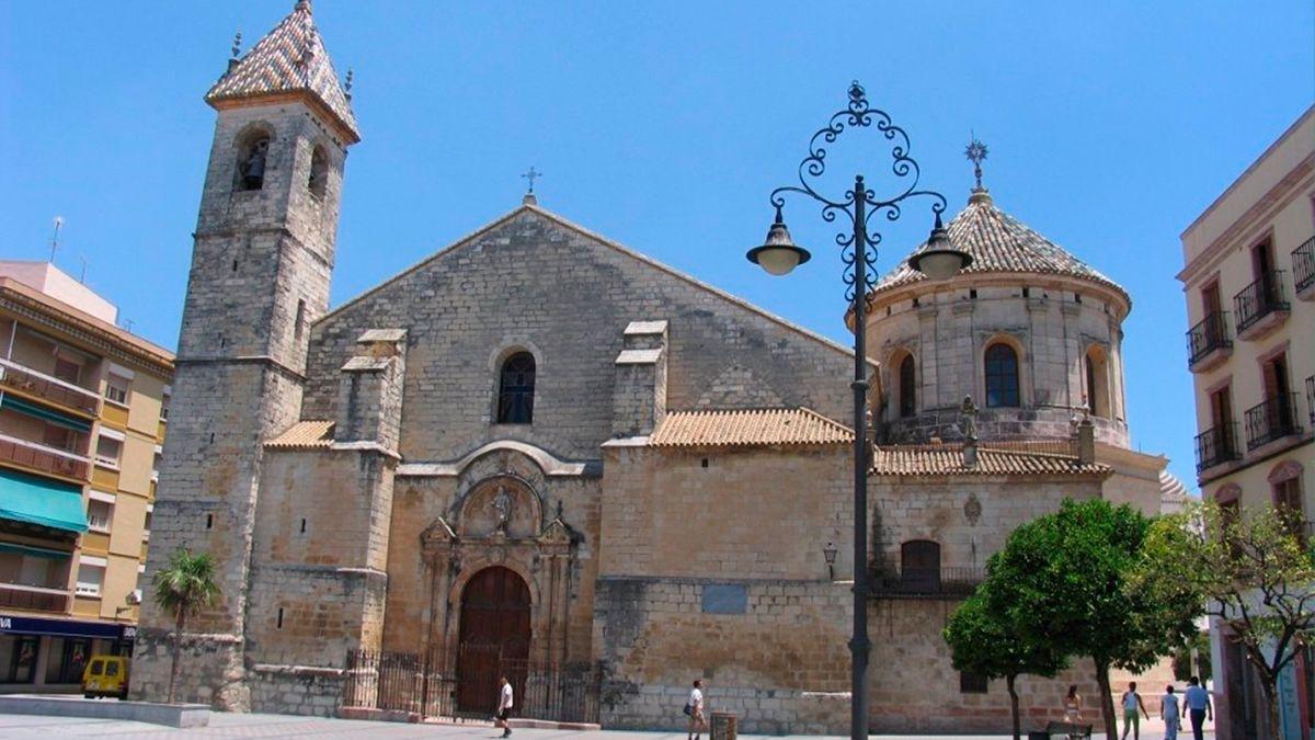Portada principal de la Iglesia de San Mateo en Lucena.