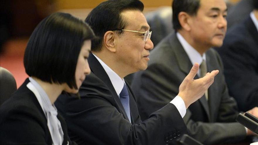 El primer ministro chino pide una menor intervención de la política en el mercado