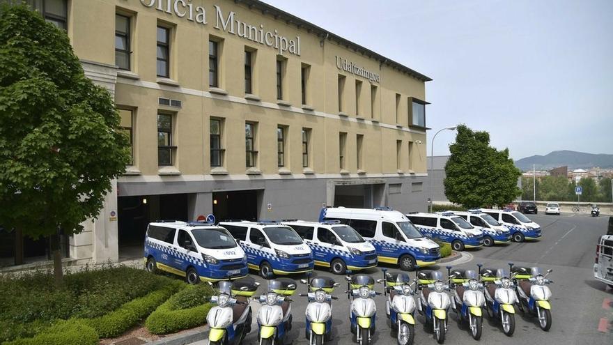 """La Policía Municipal de Pamplona tiene vehículos disponibles para dar servicio """"sin afecciones"""""""