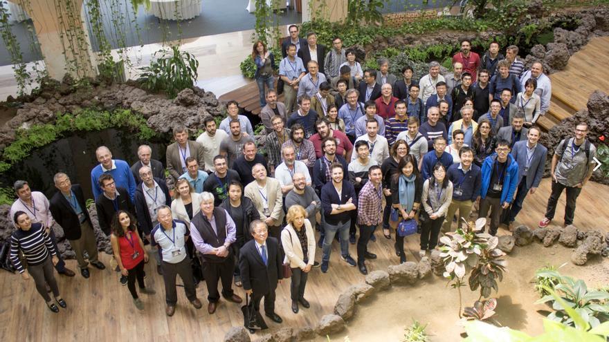 Asistentes al congreso AMS Days at La Palma. Crédito: Iván Jiménez (IAC).