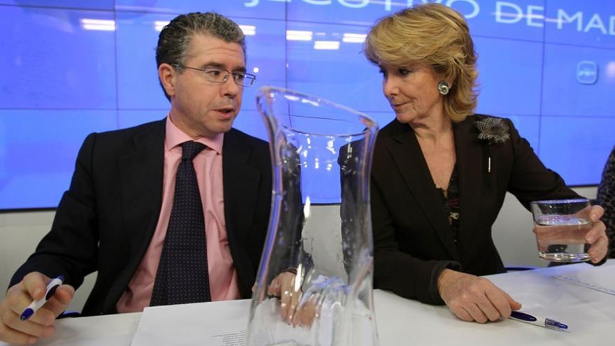 Francisco Granados, junto a Esperanza Aguirre, en una reunión de la dirección del PP madrileño en 2010. Foto: Ballesteros / Efe.