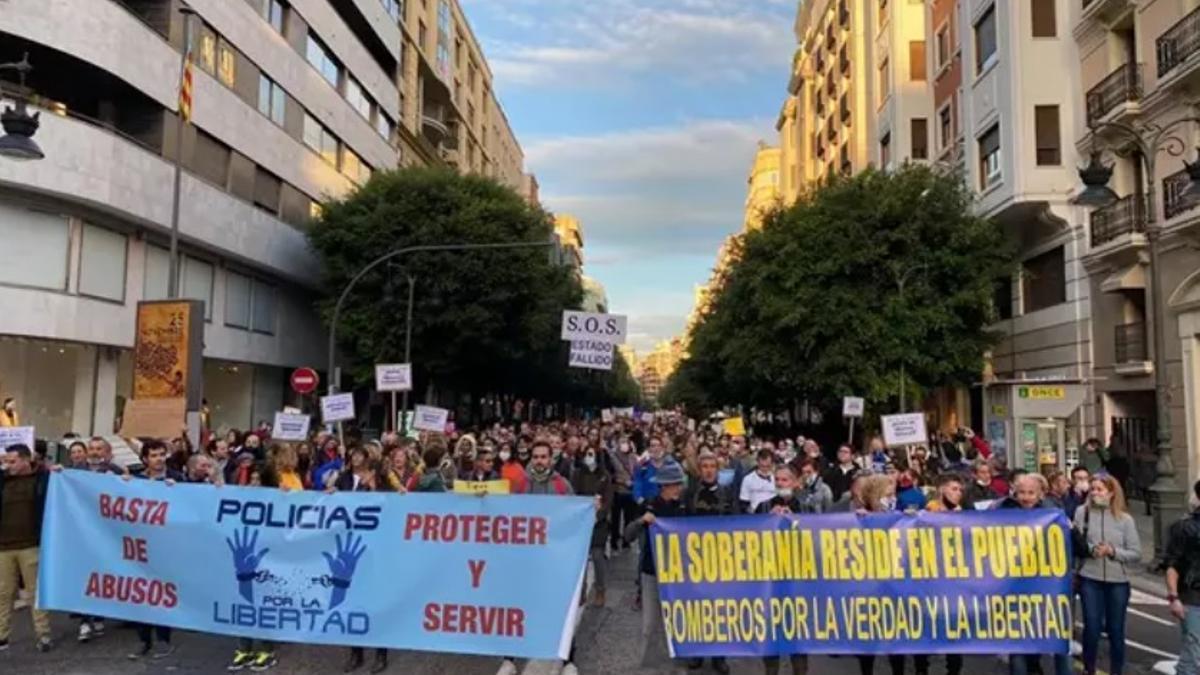 La manifestación de policías contra el uso de mascarillas, celebrada el 28 de noviembre en Valencia.