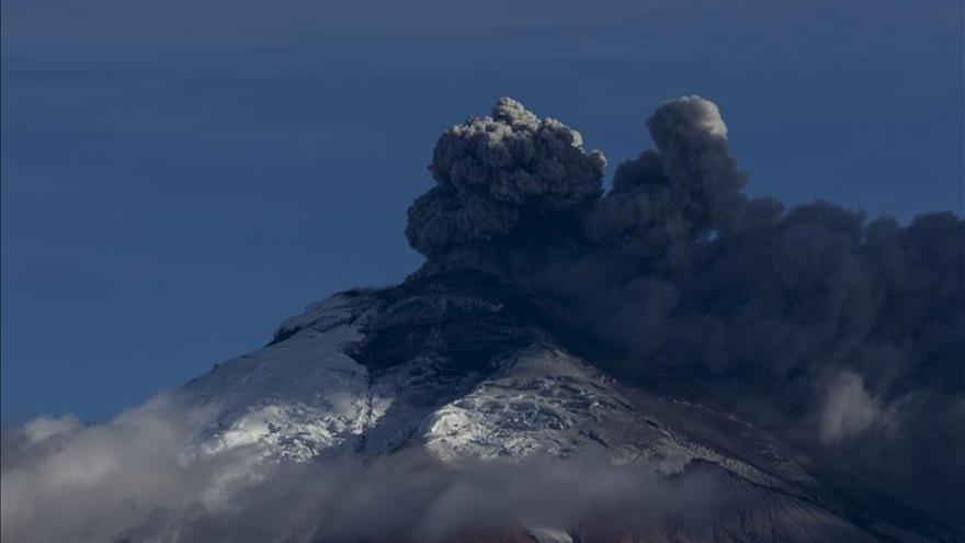 El volcán Cotopaxi tiene una actividad interna alta y una situación anómala en Ecuador