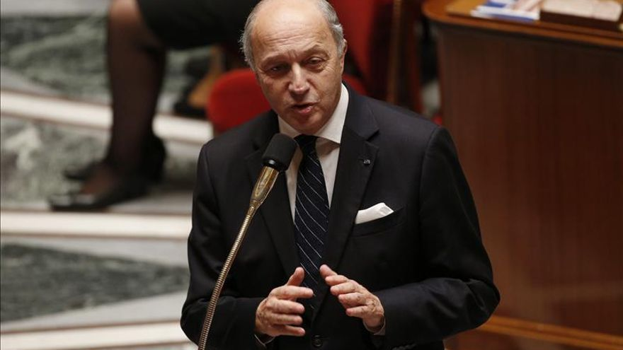 "Francia se ofrece a acompañar a Colombia hacia un acuerdo de ""paz global"""