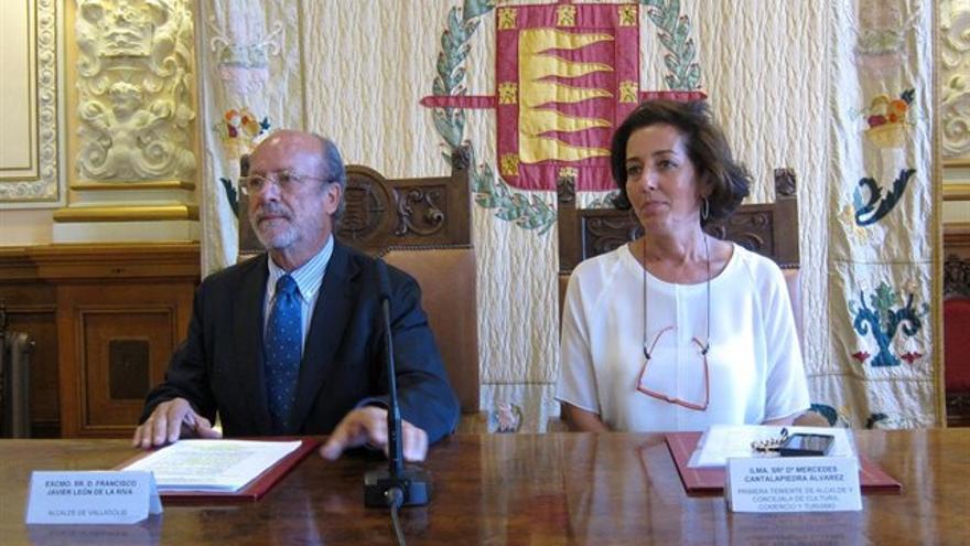 Francisco Javier León de la Riva y Mercedes Cantalapiedra.